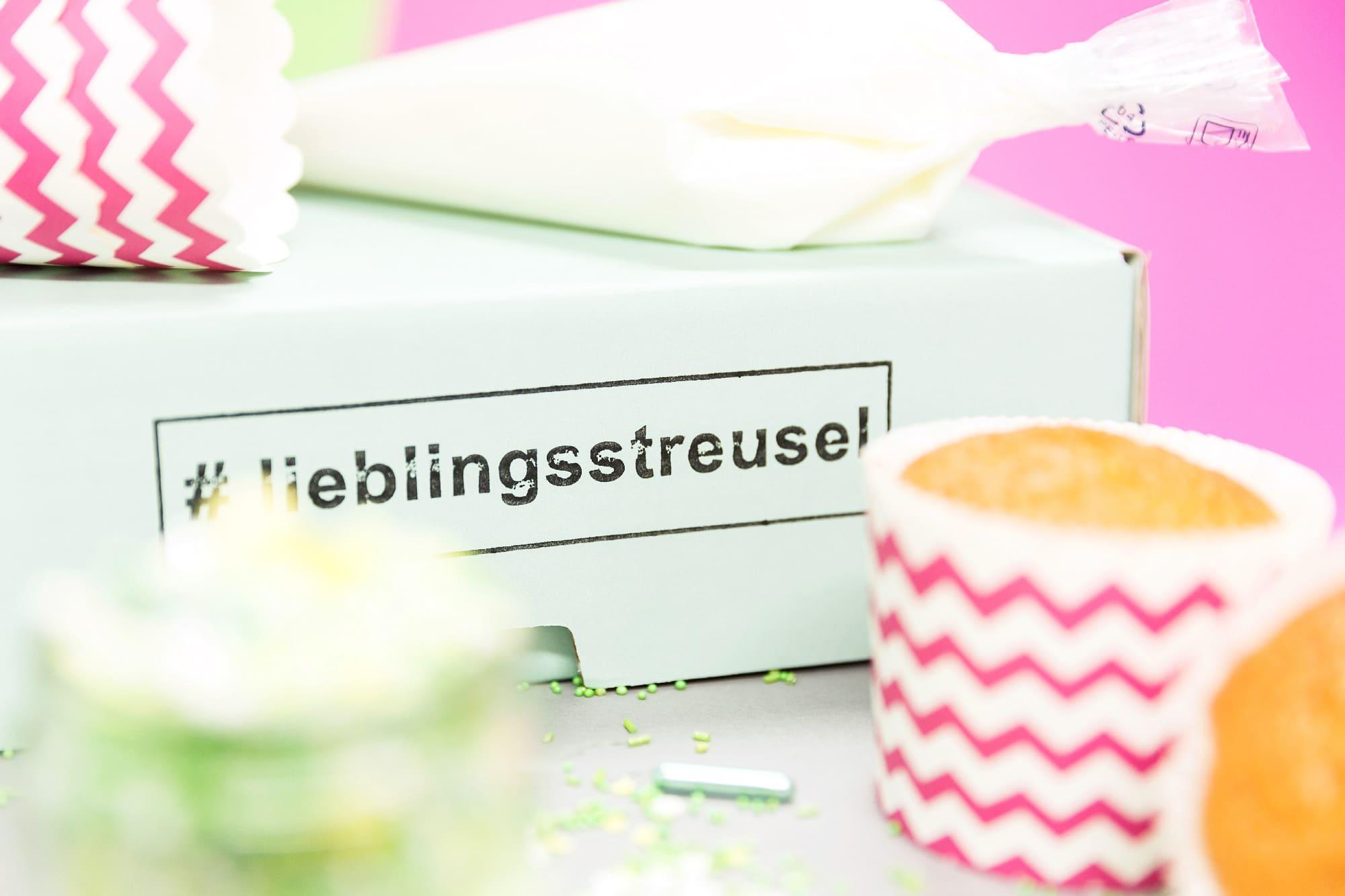 cupcake-selber-dekorieren-mit-verschiedenen-lieblingsstreusel