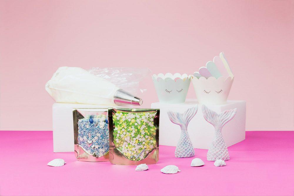 lieblingsstreusel-mermaid-cupcakes-baking-box-backset-mit-zuckerstreuseln