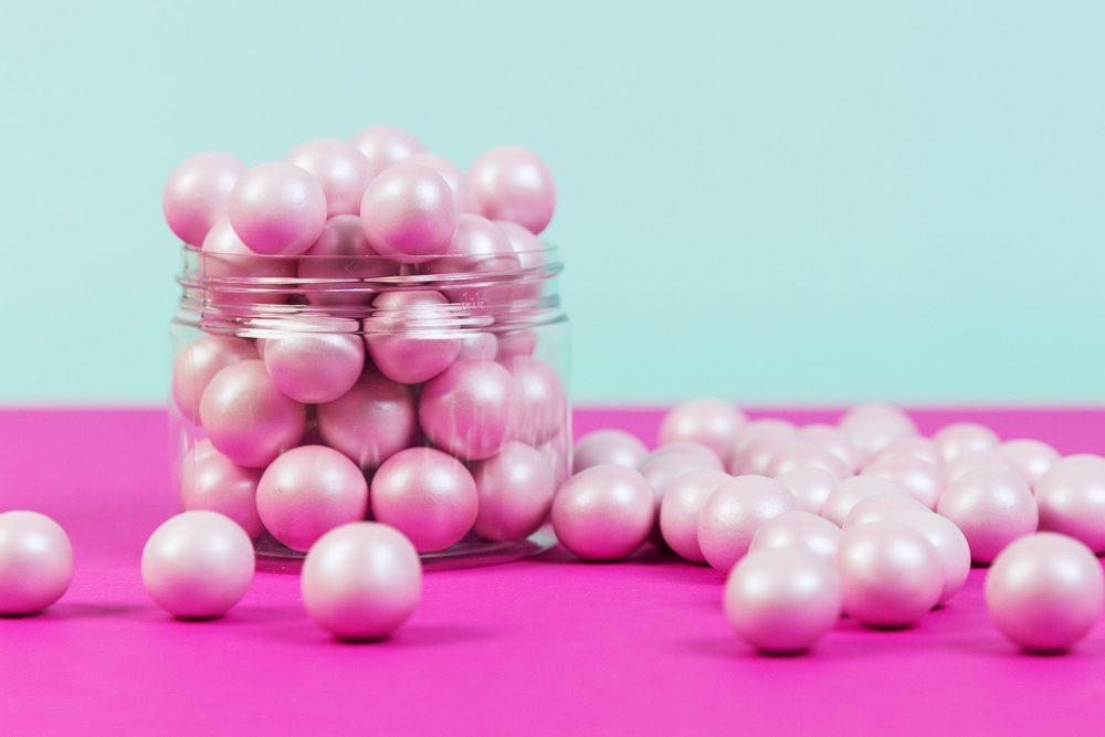 Die rosa Schokoladen Knusperperlen von Lieblingsstreusel - die leckersten Zuckerstreusel die es gibt